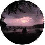 Feedback für Boje Arndt Kiesiel | Coach in Berlin: Foto der Bucht von Padang-Bai mit Booten im Osten von Bali / Indonesien als Symbol für Sitzungsreise